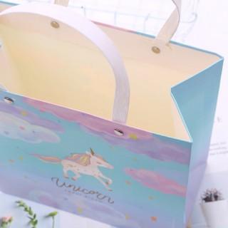 Пакет подарочный М «Unicorn» облака
